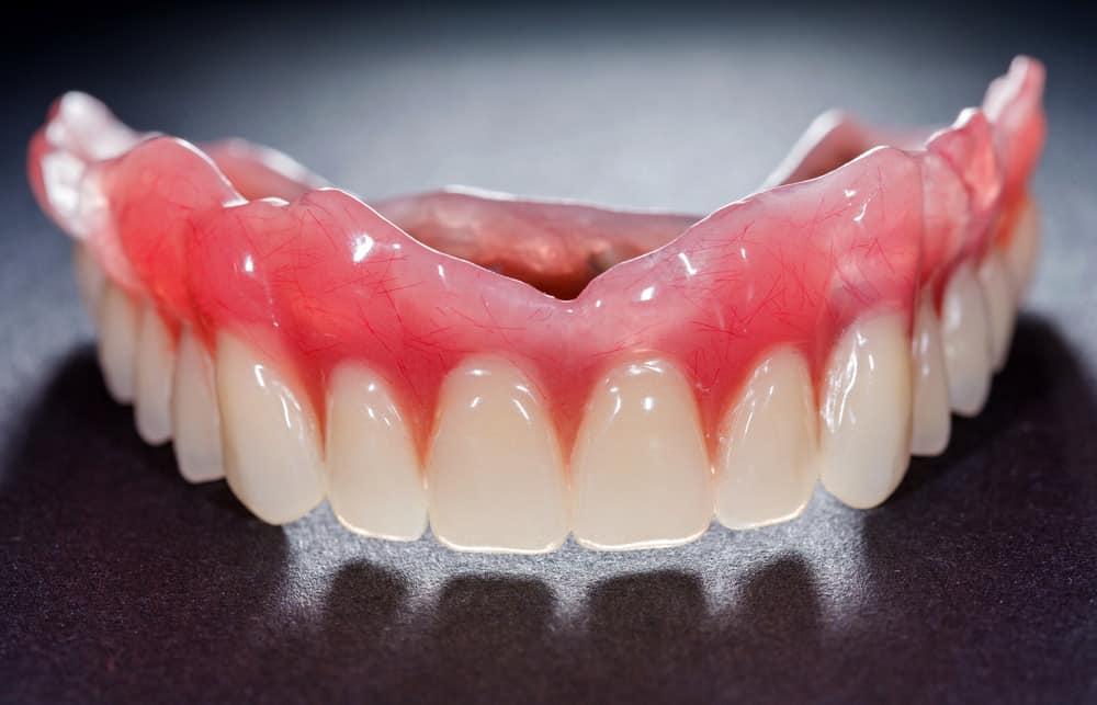 Characterize denture