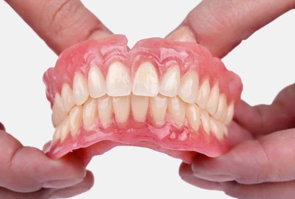 Full dentures or complete dentures